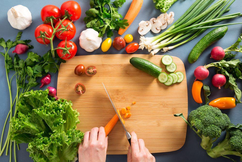 cuchillo cocina utensilios carla zaplana come limpio alimentacion vegetal nutricionista nutricion batidos verdes zumos verdes